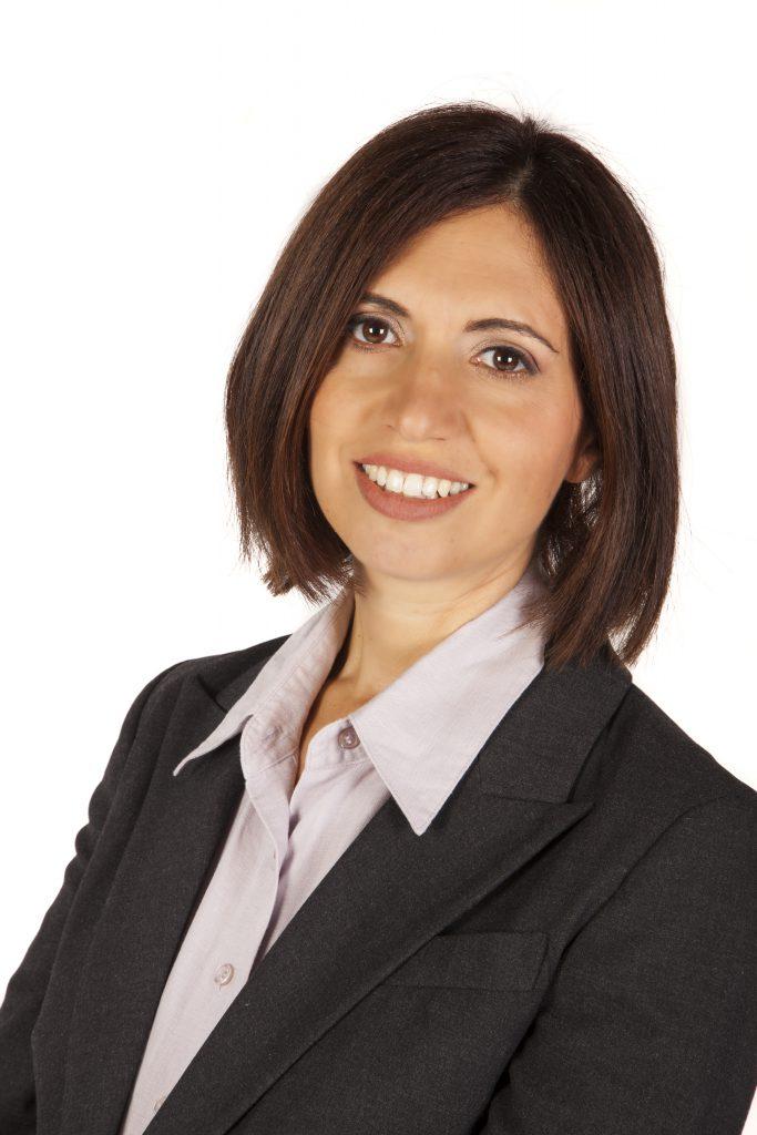 עורכת דין אליזבת ברנט יולדות